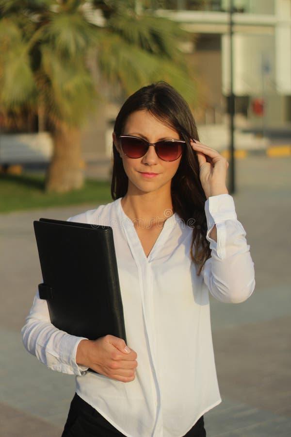 Szczęśliwe biznesowe kobiety - Akcyjny wizerunek fotografia stock