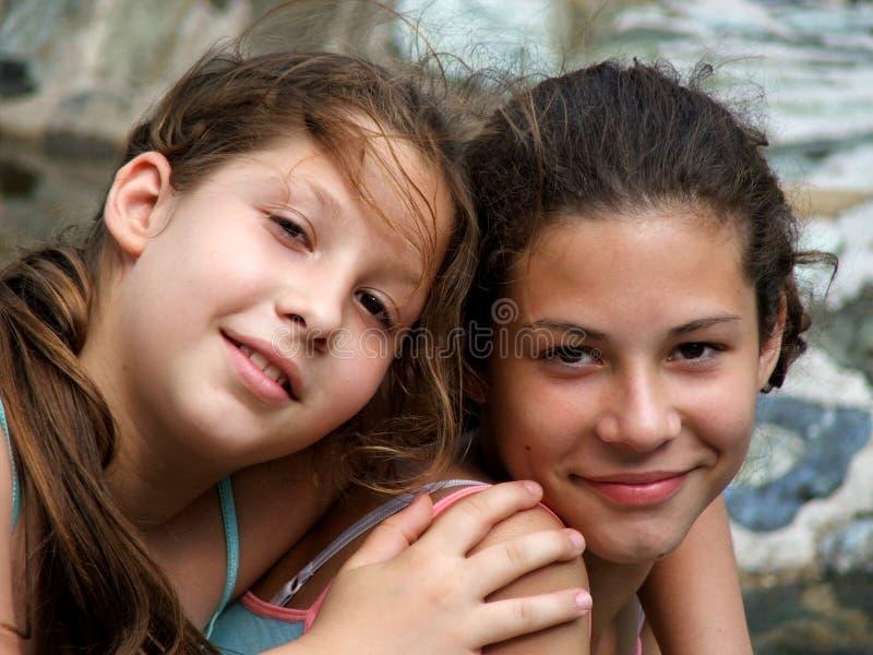 szczęśliwe siostry zdjęcie royalty free