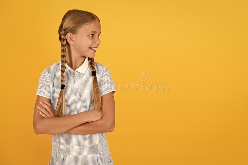 Szczęśliwego dnia dzieci Miła dziewczyna fryzura Pozytywne emocje Inteligencja emocjonalna opisuje zdolność monitorowania obrazy stock