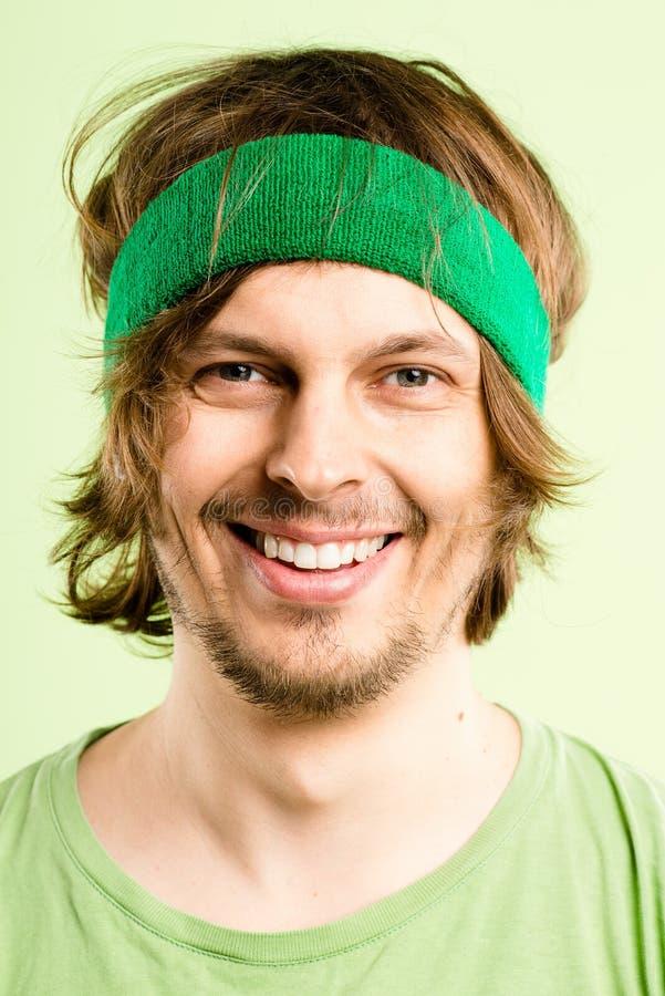 Szczęśliwego mężczyzna portreta definici zieleni wysokiego tła istni ludzie fotografia royalty free