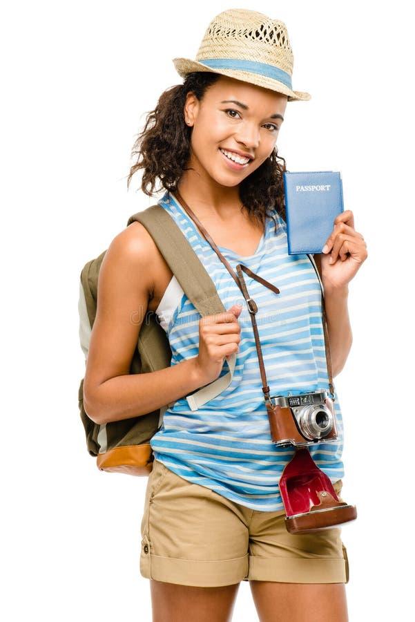 Szczęśliwej amerykanin afrykańskiego pochodzenia kobiety mienia turystyczny paszport zdjęcia stock