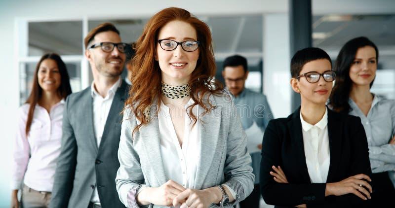 szczęśliwi grup biznesowych ludzie obraz royalty free