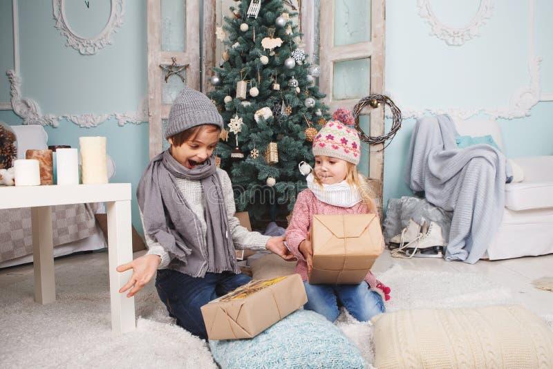 Szczęśliwi nowy rok dzieci fotografia royalty free