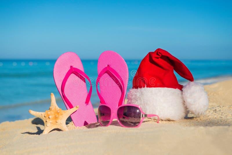 Szczęśliwi nowy rok wakacje i Wesoło boże narodzenia przy morzem fotografia royalty free