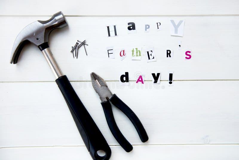 Szczęśliwi ojca dnia listy Cią out od magazynu i narzędzi zdjęcie stock