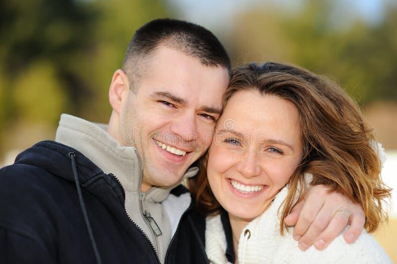 szczęśliwi par potomstwa zdjęcia royalty free