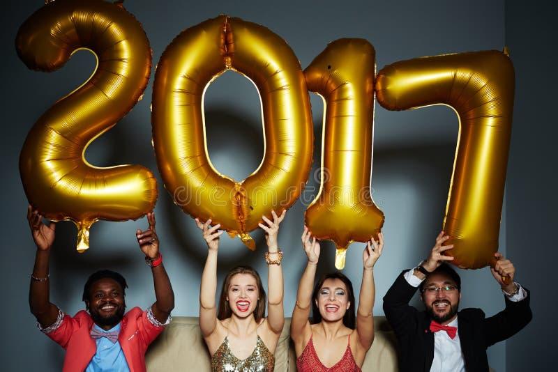 Szczęśliwi 2017 rok obrazy royalty free