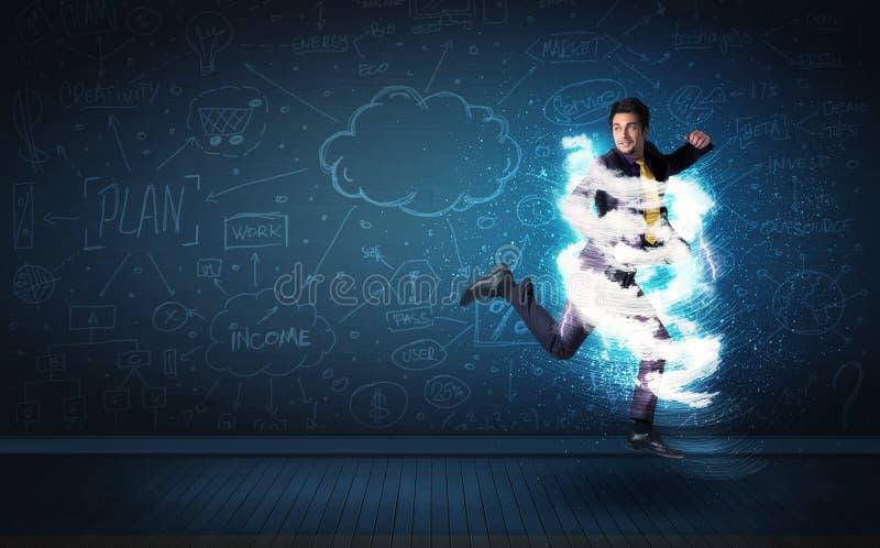 Szczęśliwy biznesowego mężczyzna doskakiwanie z burzy chmurą wokoło on obrazy stock