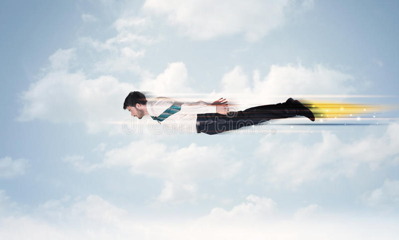 Szczęśliwy biznesowego mężczyzna latania post na niebie między chmurami fotografia royalty free