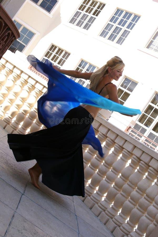 szczęśliwy brzucha tancerz obraz stock