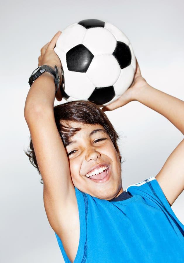 szczęśliwy chłopiec doskakiwanie obrazy royalty free
