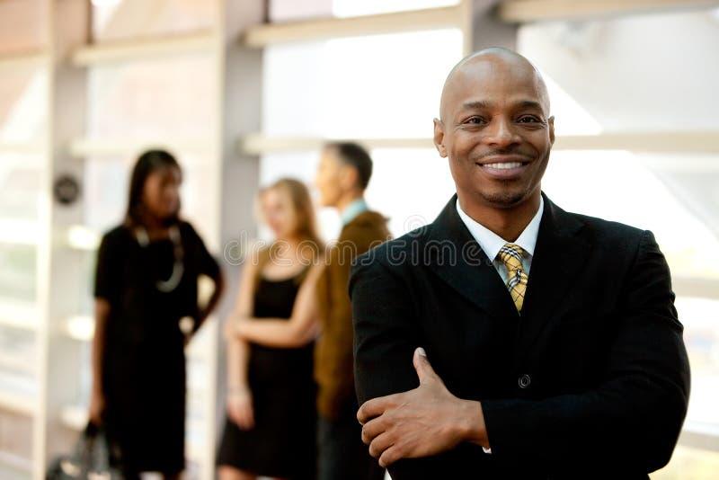 szczęśliwy czarny biznesmen fotografia stock