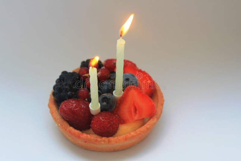 Szczęśliwy drugi urodzinowy tort fotografia royalty free