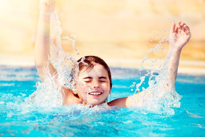 szczęśliwy dziecko basen fotografia royalty free