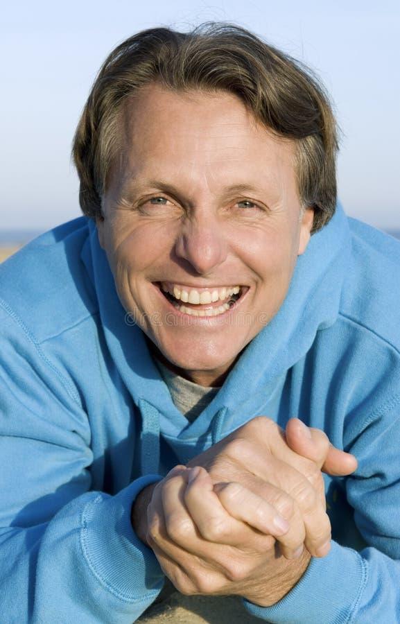 szczęśliwy forties mężczyzna zdjęcie royalty free