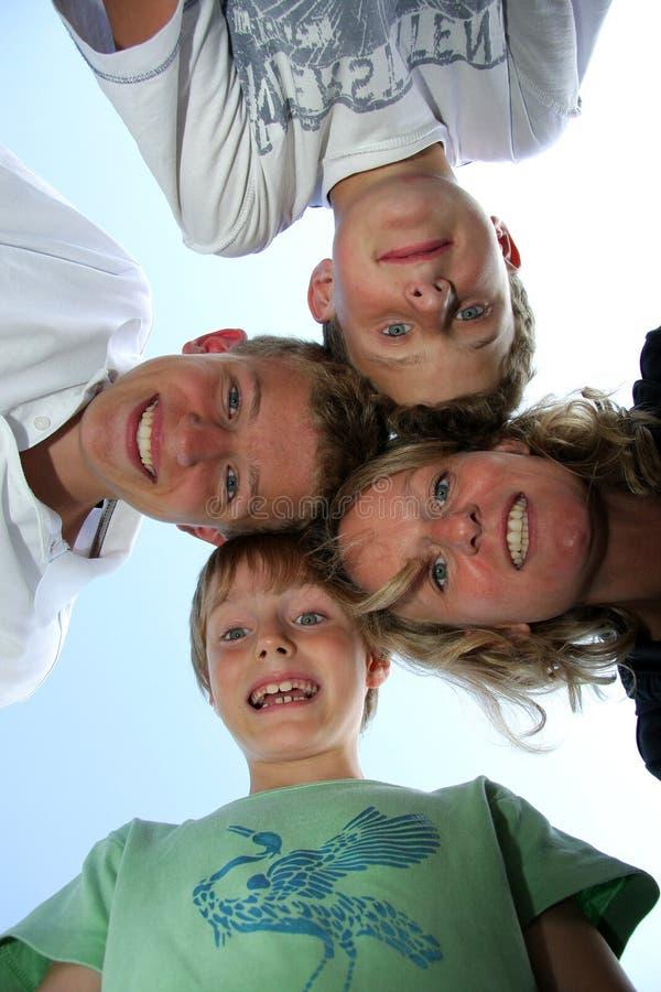szczęśliwy jej macierzyści synowie trzy zdjęcie royalty free