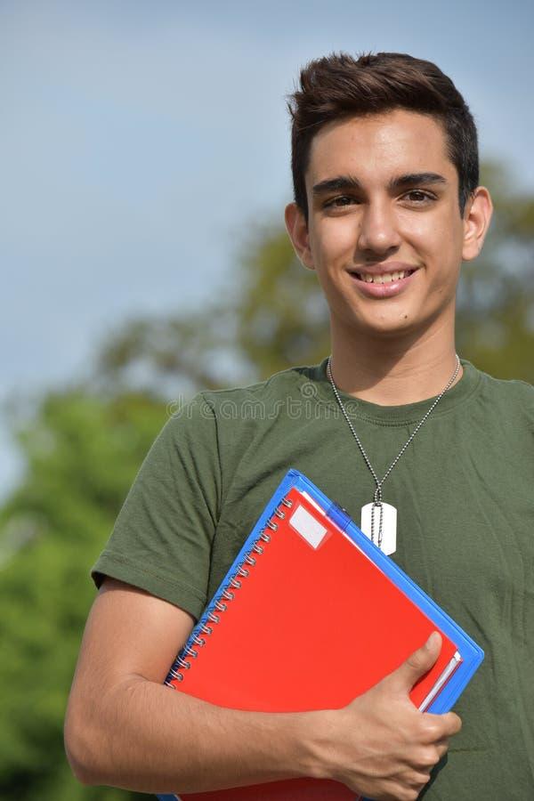 Szczęśliwy Latynoski Męski Nastoletni Militarny uczeń obrazy stock