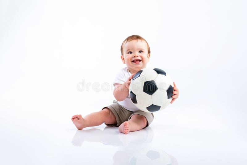 Download Szczęśliwy mały chłopiec zdjęcie stock. Obraz złożonej z trochę - 65225148