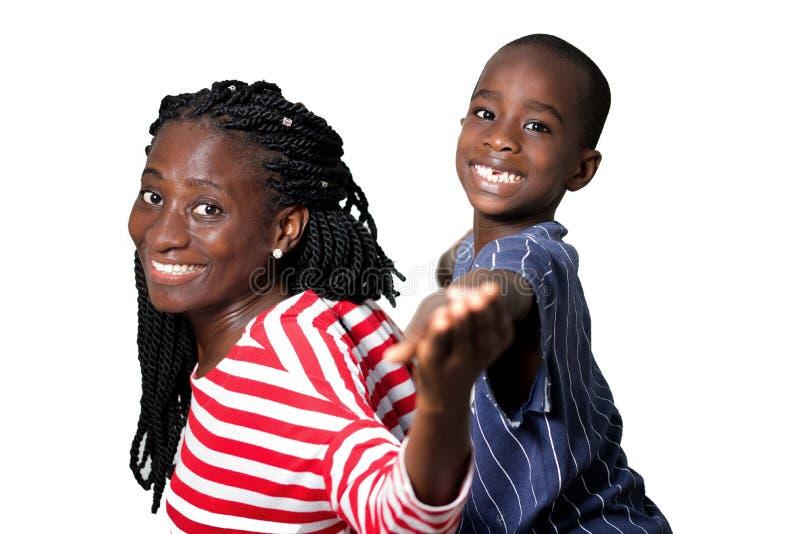 Szczęśliwy matki i dziecka ono uśmiecha się zdjęcie royalty free
