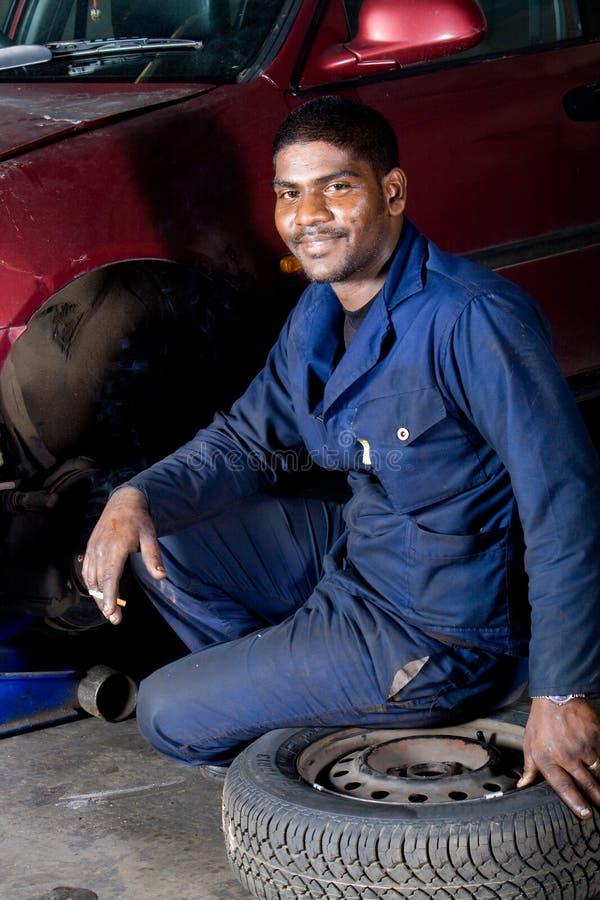 szczęśliwy mechanik obrazy royalty free