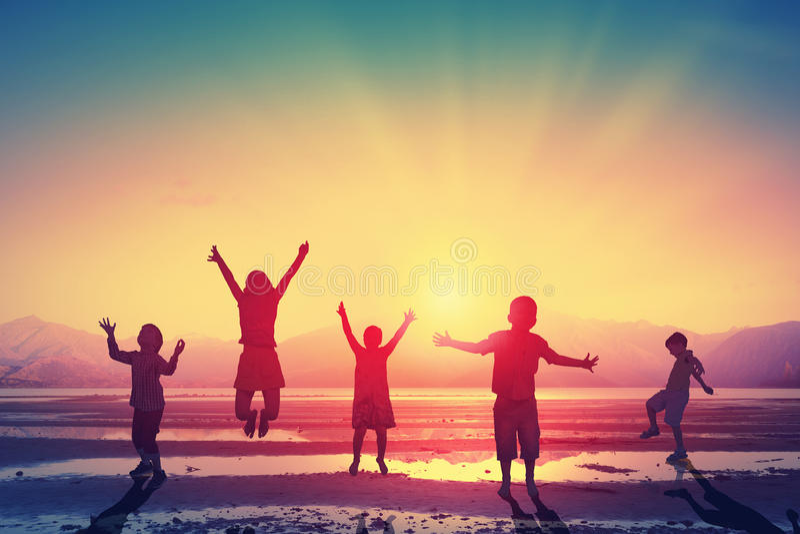 Szczęśliwy niestaranny dzieciństwo zdjęcie royalty free