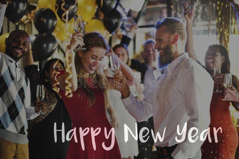 Szczęśliwy nowego roku świętowania powitania 2017 pojęcie fotografia royalty free