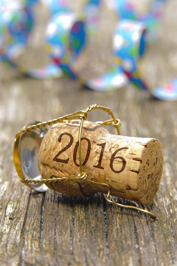 Szczęśliwy nowy rok 2016 z szampana korkiem zdjęcie royalty free