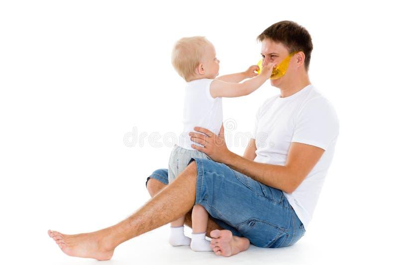Szczęśliwy ojciec z dziecko synem. zdjęcie stock
