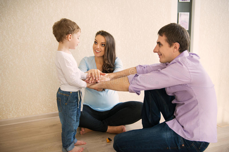 Szczęśliwy rodzinny mieć zabawę fotografia stock