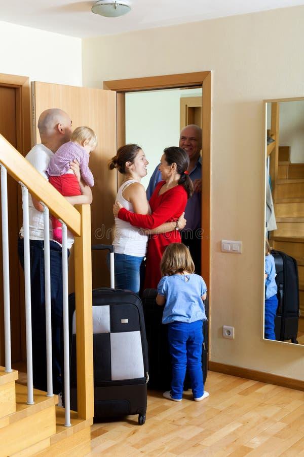 Szczęśliwy rodzinny spotkanie obraz royalty free