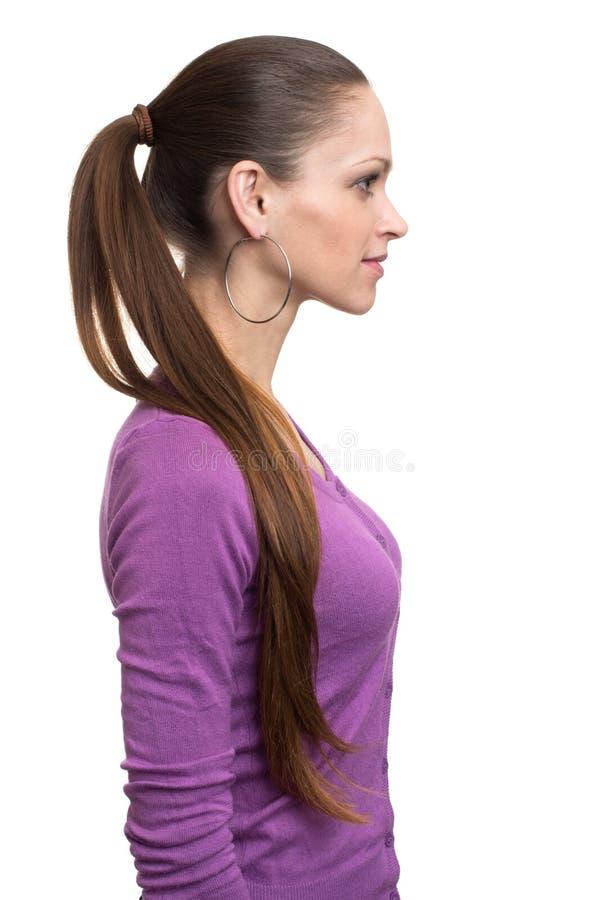 Szczęśliwy uśmiechnięty młody piękny kobieta profil zdjęcia stock