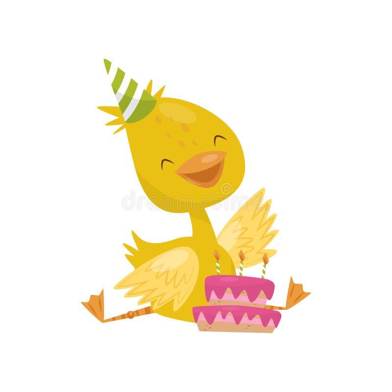 Szczęśliwy uśmiechnięty mały żółty kaczątko charakter w partyjnym kapeluszu z urodzinowego torta wektorową ilustracją na białym t ilustracji