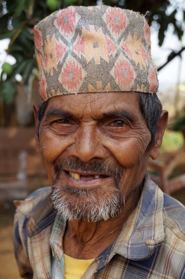 Szczęśliwy zębu mniej Nepalski mężczyzna zdjęcie stock