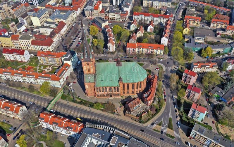SZCZECIN, POLEN - 08 APRIL 2019 - Satellietbeeld op Szczecin-stad, gebied van Grodzka-straat Stadscentrum De Kathedraalbasiliek v stock afbeelding