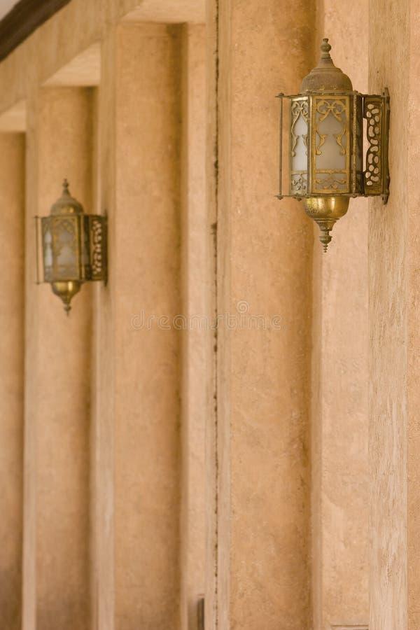 Szczegół ściana I lampiony Przy Al Ain muzeum zdjęcie stock
