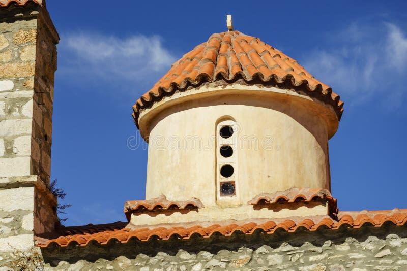 Szczegół architektura kościół w Vathia miasteczku, Mani Grecja zdjęcie royalty free