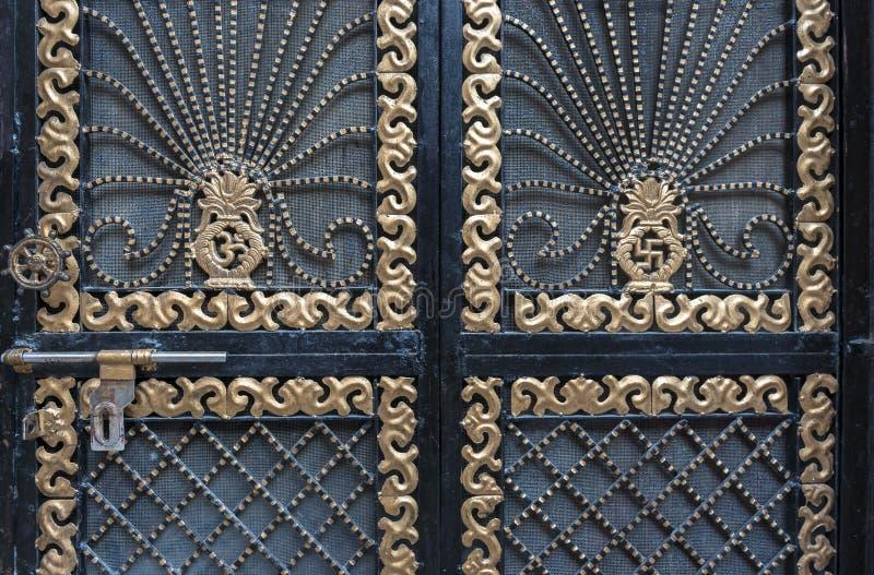 Szczegół dekoracyjna drzwiowa brama, India zdjęcia stock