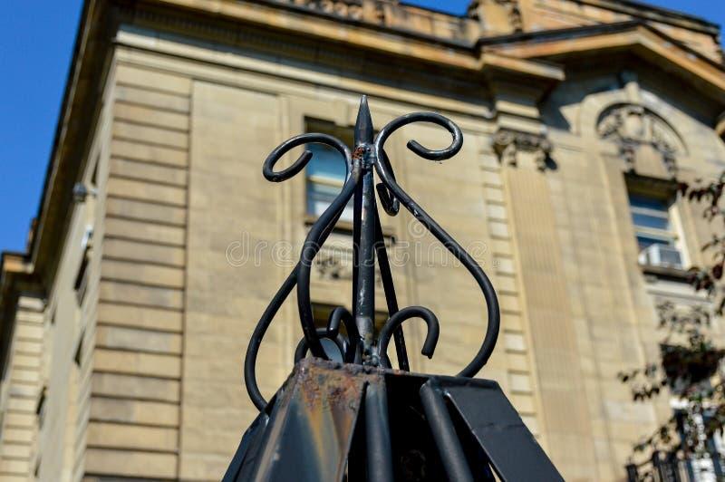 Szczegół dokonanego żelaza ogrodzenie obrazy royalty free