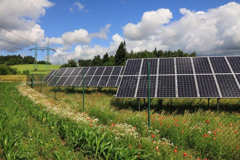Szczegół energii słonecznej stacja zdjęcia royalty free