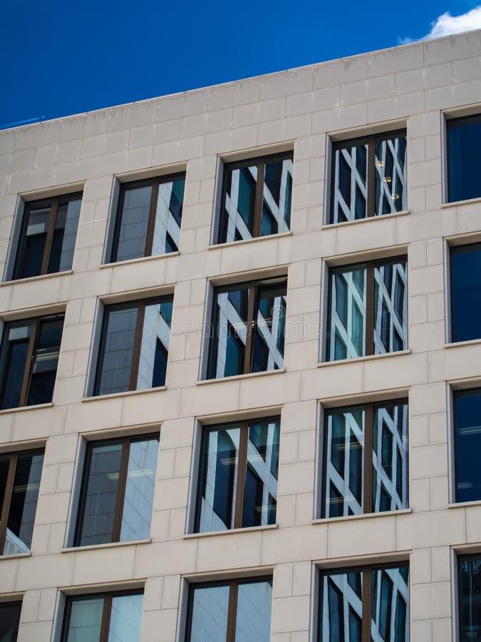 Szczegół fasada biznesowy budynek w Frankfurt, niemiec obrazy stock