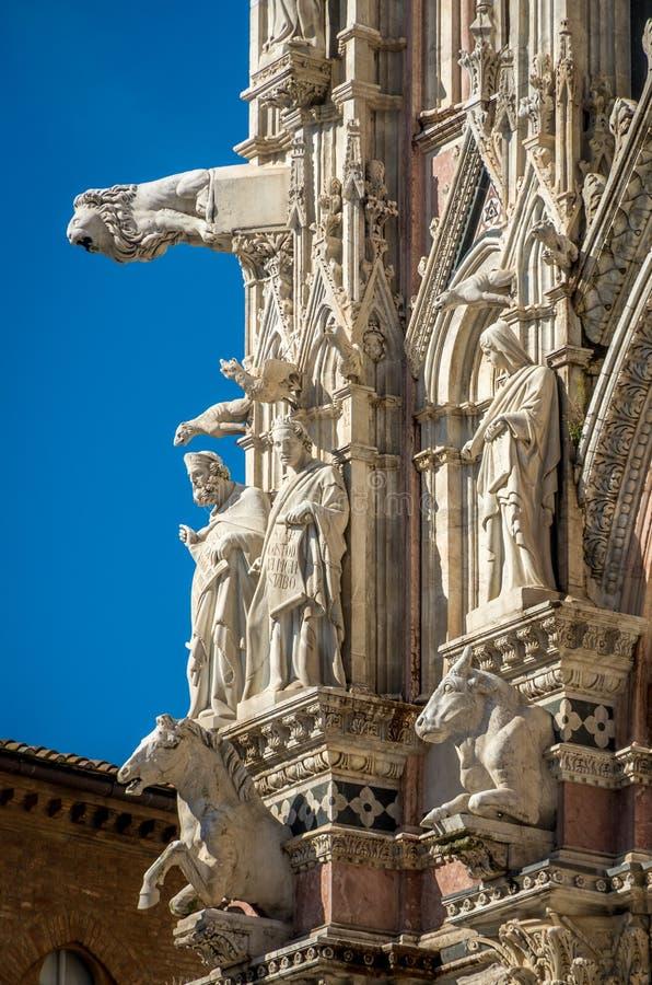 Szczegół fasada Siena Katedralny Santa Maria Assunta 1220-1370 Tuscany, Włochy, Europa - obraz stock