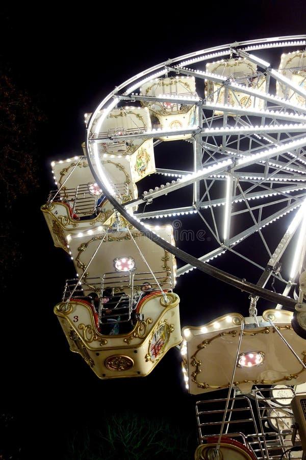 szczegół ferris koło przy nocą w bożych narodzeniach obrazy royalty free