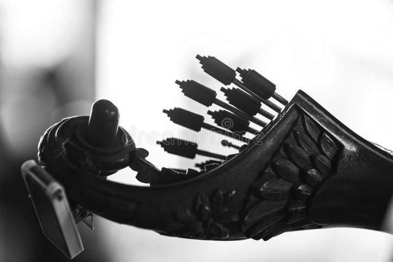Szczegół klasyczna Portugalska gitara Używać dla fado bw orgazmu bólu wersja zdjęcia stock