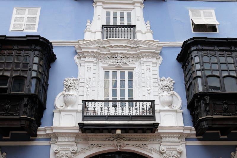 Szczegół kolonialny budynku rozwój w stolicie Peru obraz stock