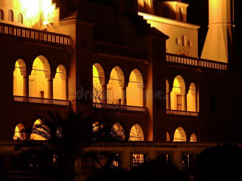 Szczegół meczet przy nocą Adana Środkowy Meczetowy Sabancı Merkez Camii zdjęcia royalty free