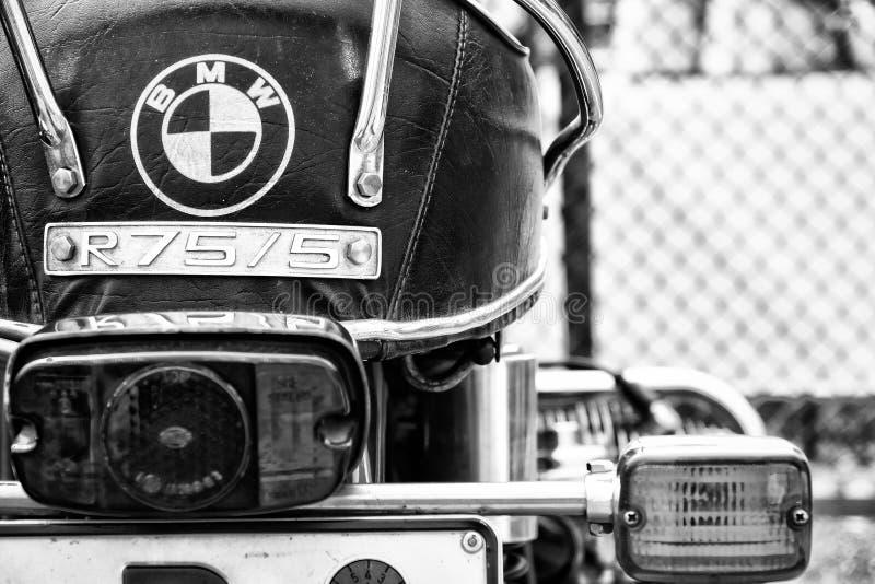 Szczegół motocykl BMW R75/5 (ostrość na przedpolu) fotografia royalty free
