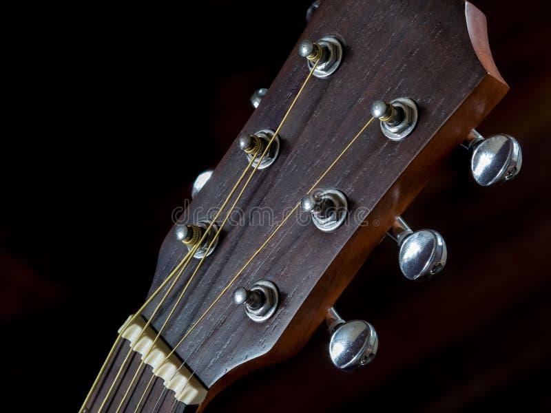 Szczegół nastrajanie głowa dla gitary akustycznej, czop fotografia stock