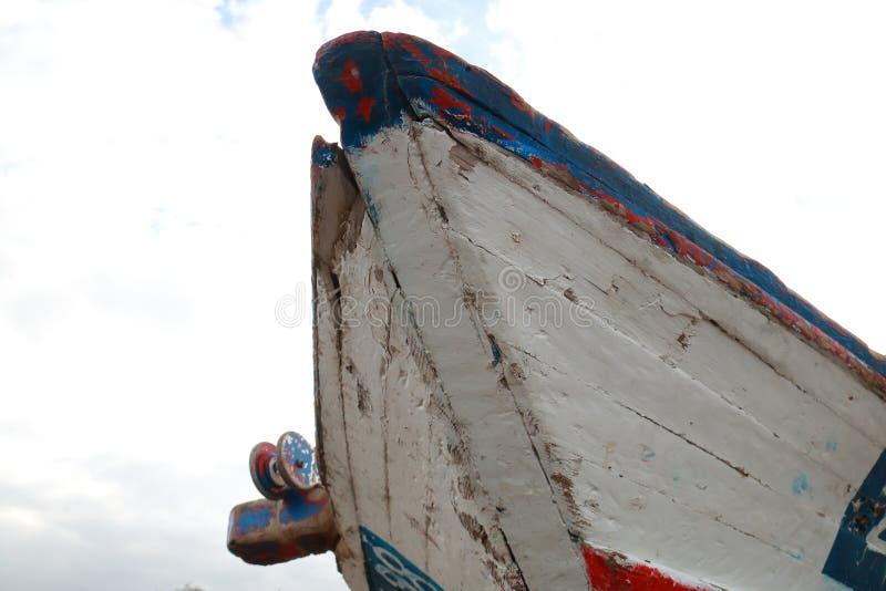 Szczegół odłupany prow stara łódź rybacka obrazy royalty free