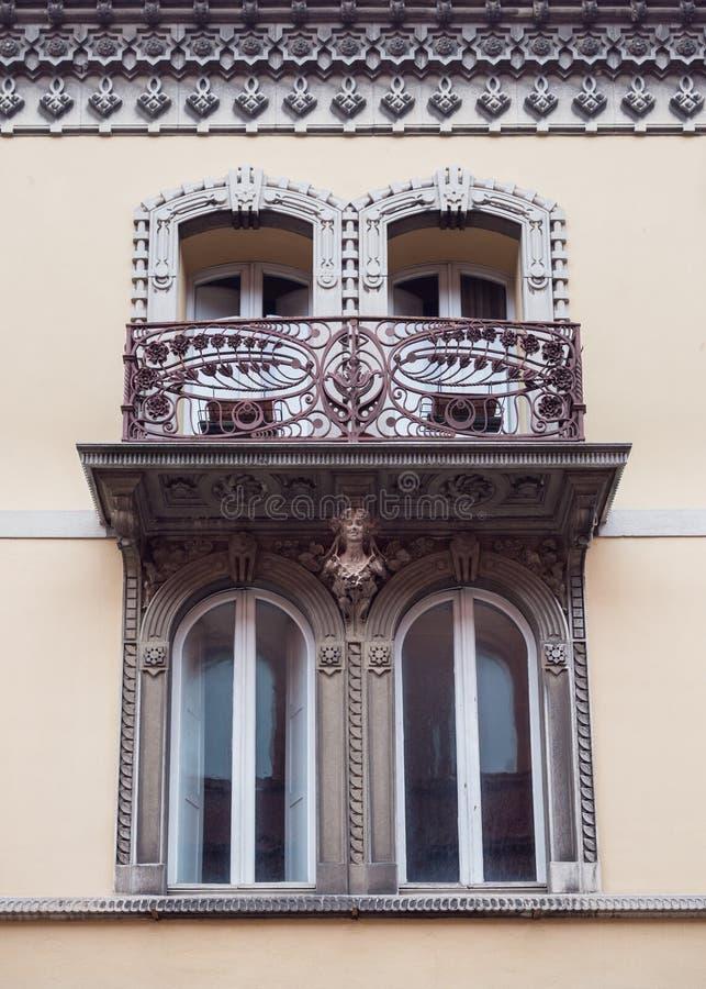 Szczegół okno średniowieczny pałac w Włochy obrazy royalty free