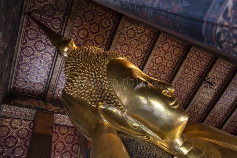 Szczegół Opierać Buddha statuę Bangkok fotografia stock